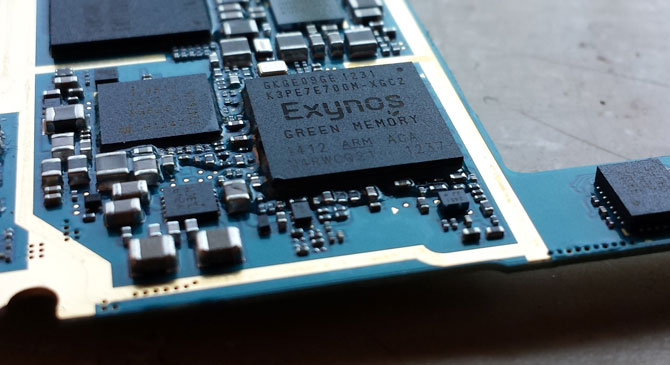 Samsung-Exynos-4412-Quad_SoC_used_in_I9300