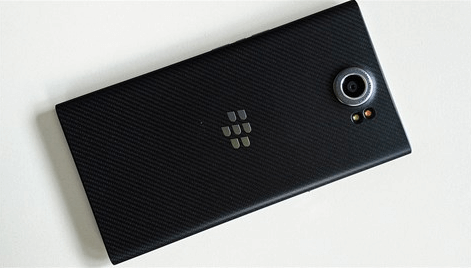 Latest-pictures-of-the-BlackBerry-Priv (1)