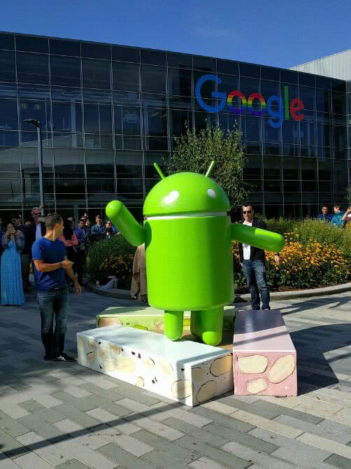 _conv_android-nougat-statue