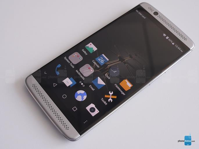 ZTE-Axon-7-mini-hands-on (Copy)