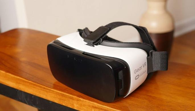 gear-vr-vrs-2-e1465772356118-1024x583-copy